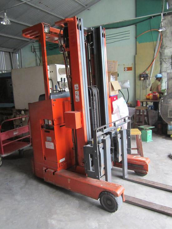 kiểm định xe nâng điện 900kg tại Bình Chánh Tp.HCM-hình 1